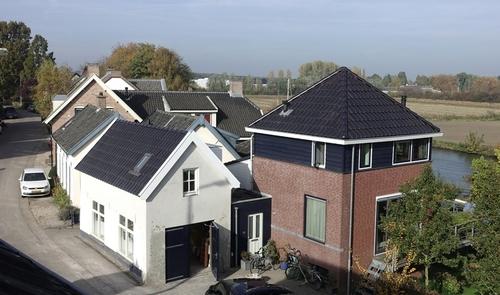 photovoltaik die am dach kaum erkennbar ist. Black Bedroom Furniture Sets. Home Design Ideas
