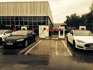 © Tesla Motors- Supercharger in Wien