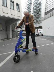 ©    Senior Research Group- Probefahrt mit dem Trikke